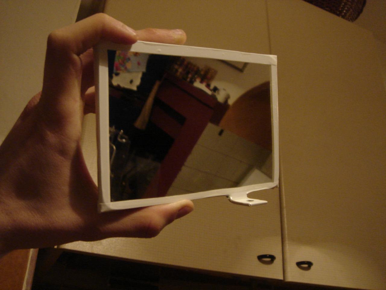 Montaggio specchio per videoproiettore nel case - Lo specchio di carta ...